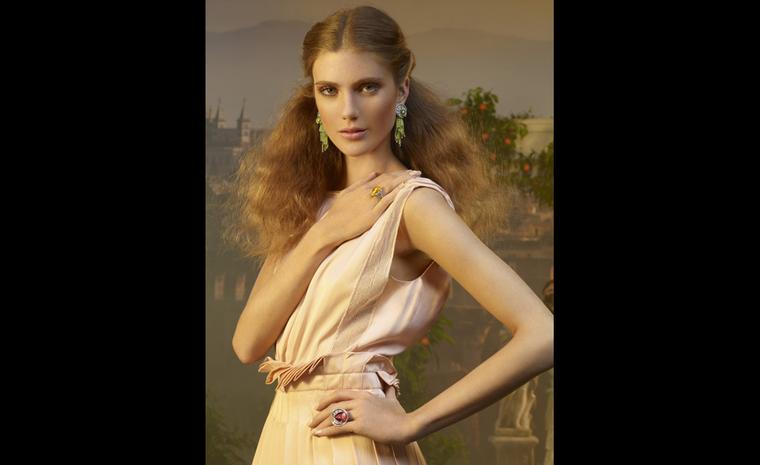 From the Sortilège de Cartier collection come these zesty coloured jewels. Each family of jewels is inspired by a fragrance.