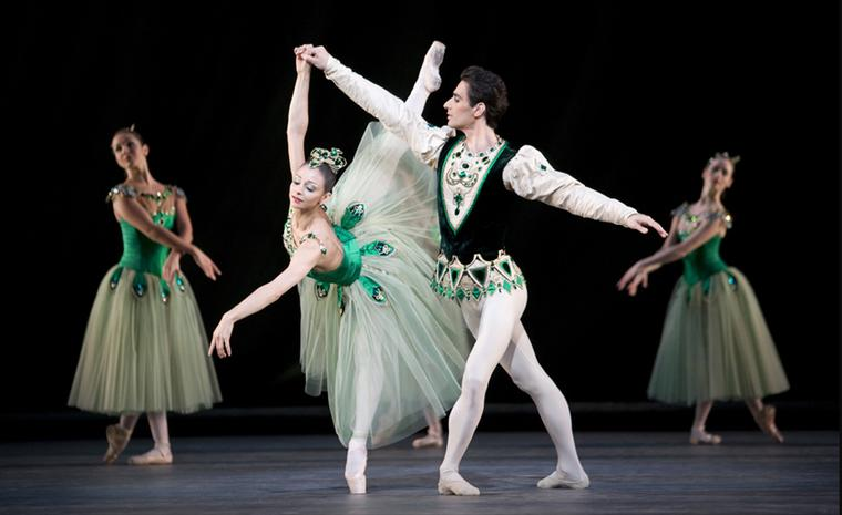 Roberta Marquez and Valeri Hristov in Emeralds as part of Jewels. Photo Johan Persson