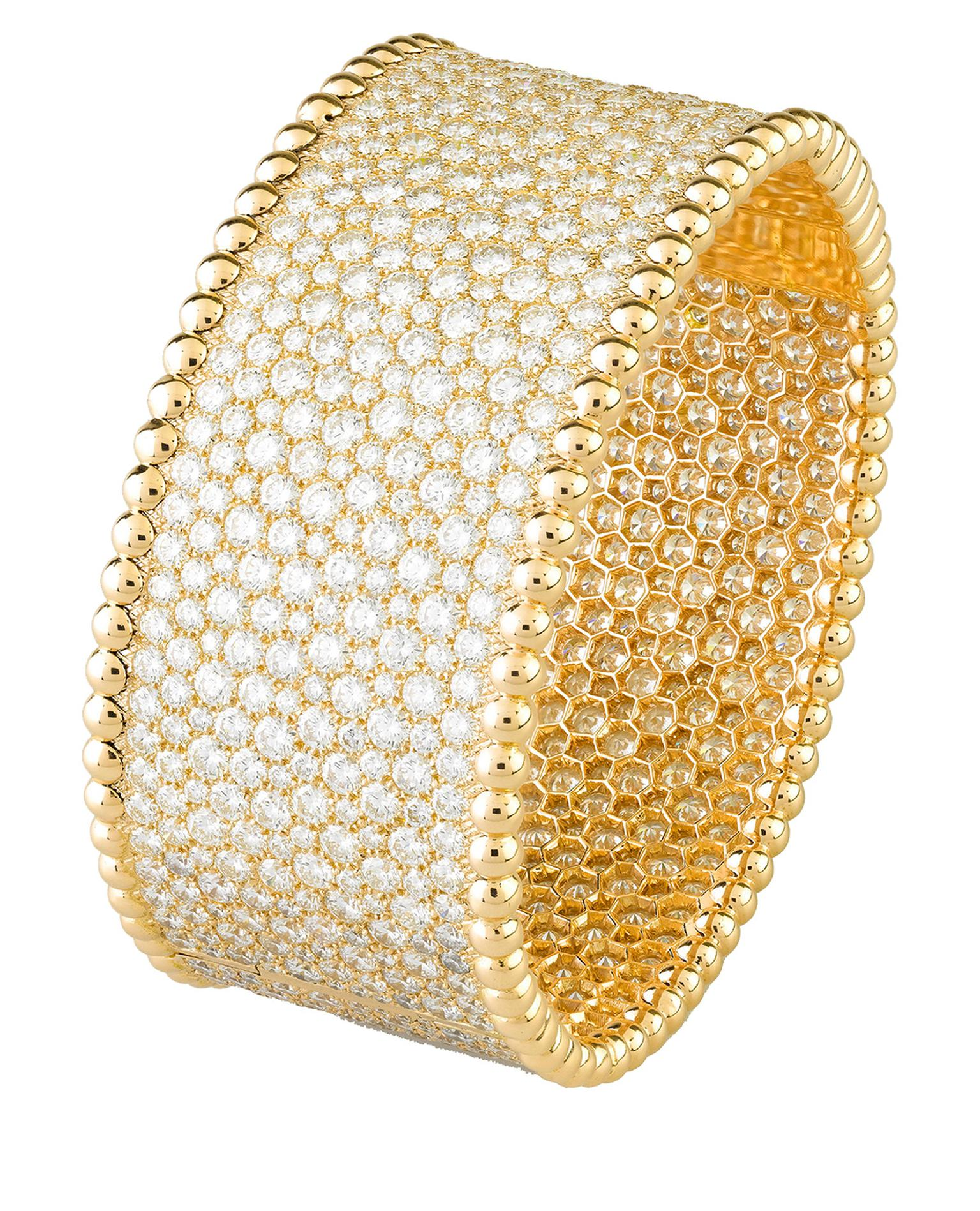 Van Cleef & Arpels Perlée yellow gold and snow-set diamond bracelet_20131003_Zoom