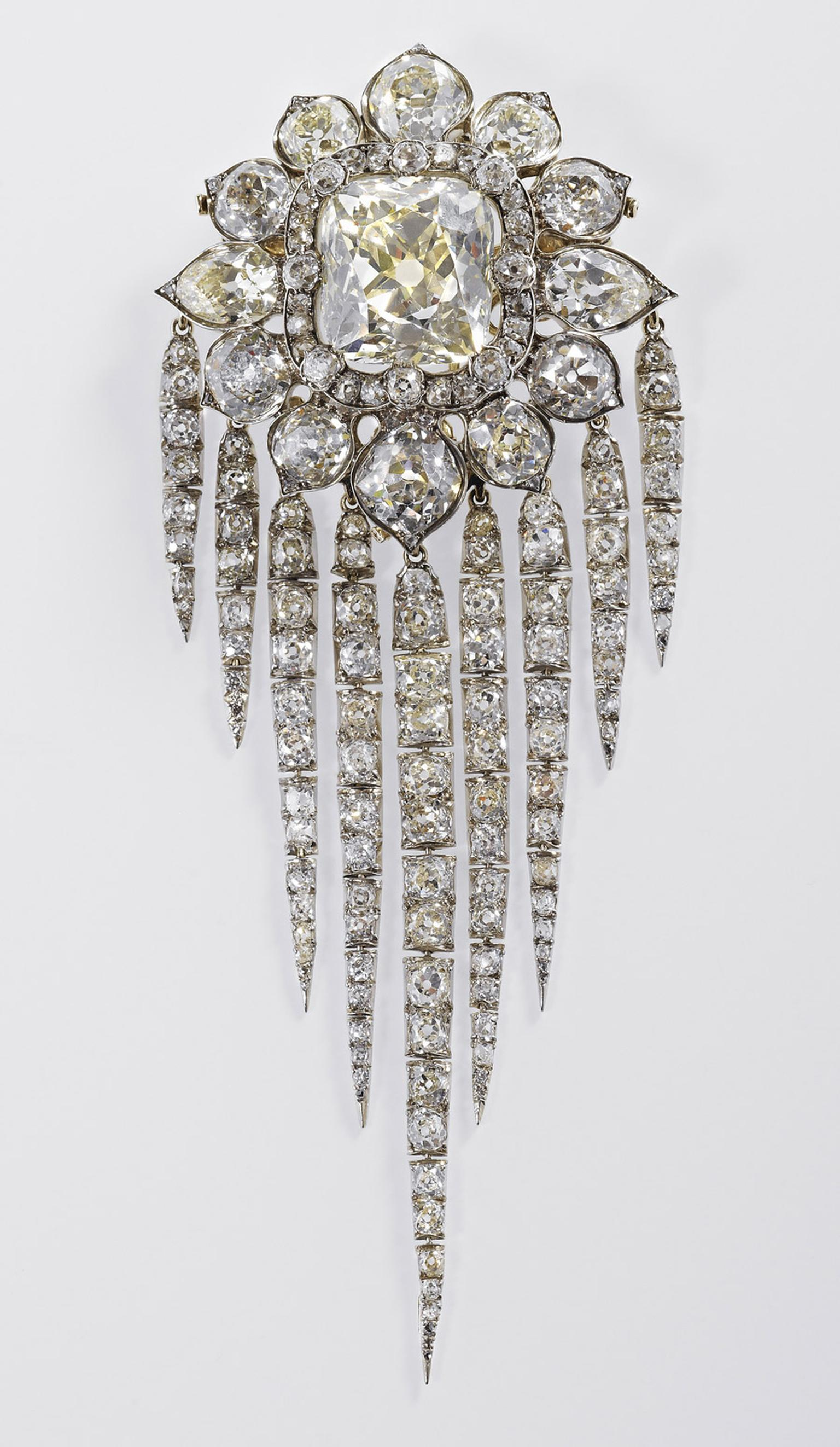Diamond-Jubilee-Queen-Victorias-Fringe-Brooch