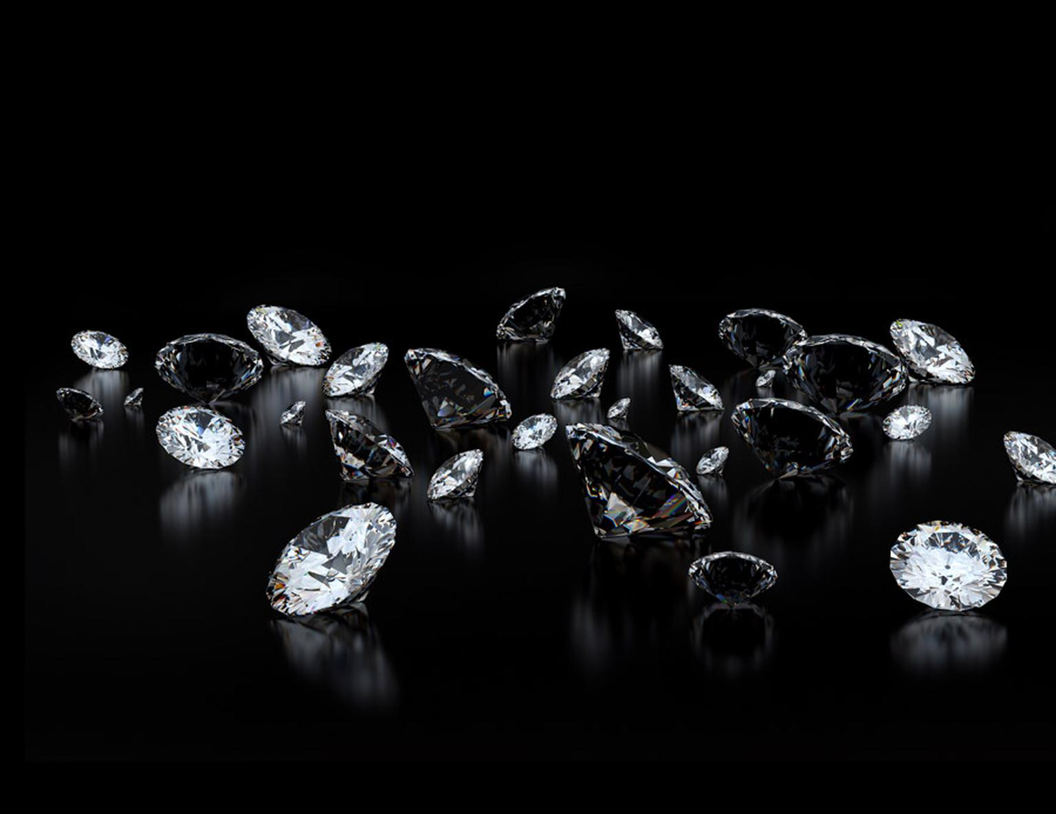 Loose-Diamonds-on-Black.jpg