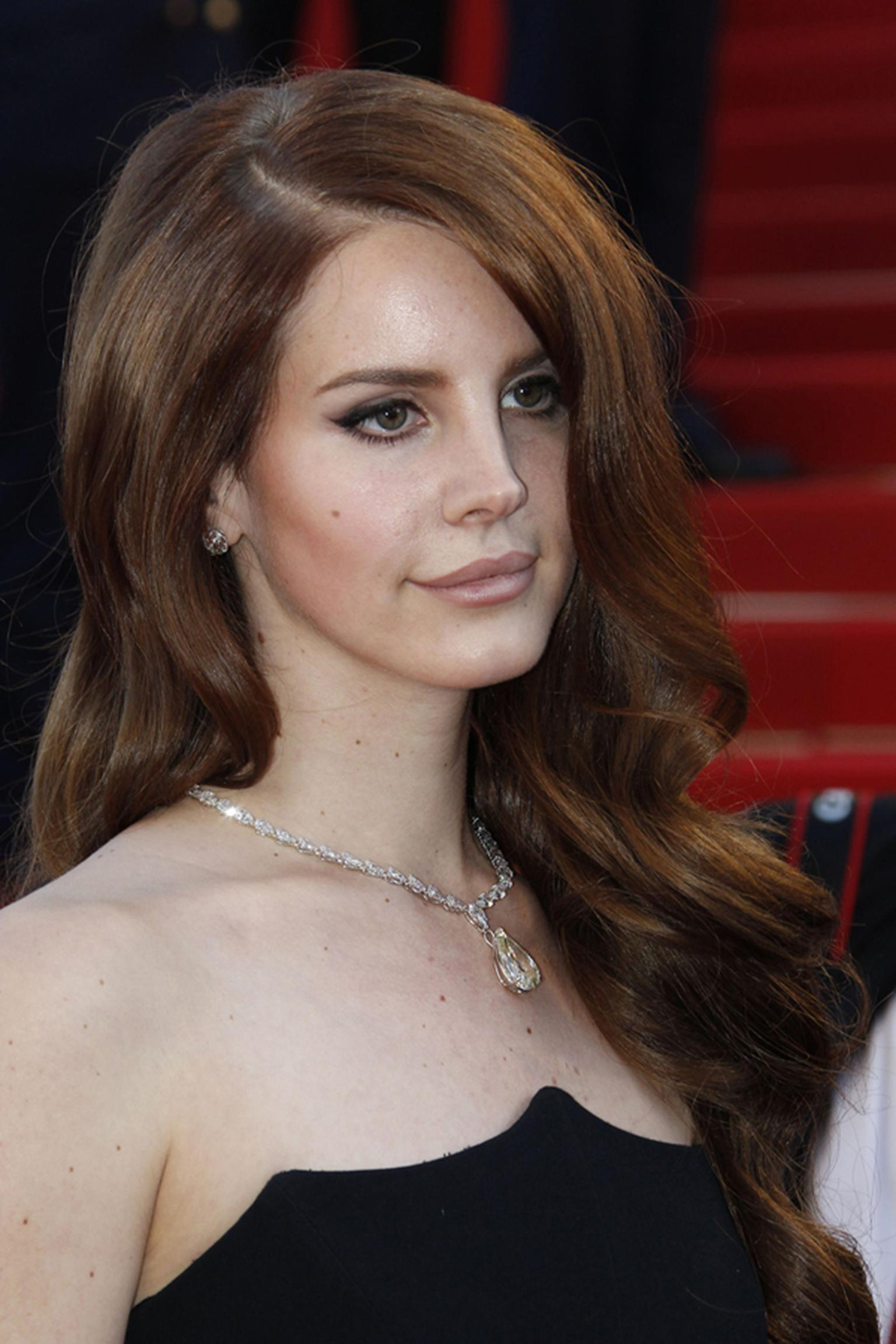 Lana_Del_Rey_in_Chopard