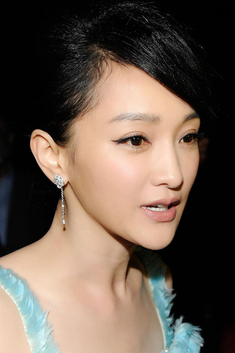 Zhou_Xun_wearing-Chanel