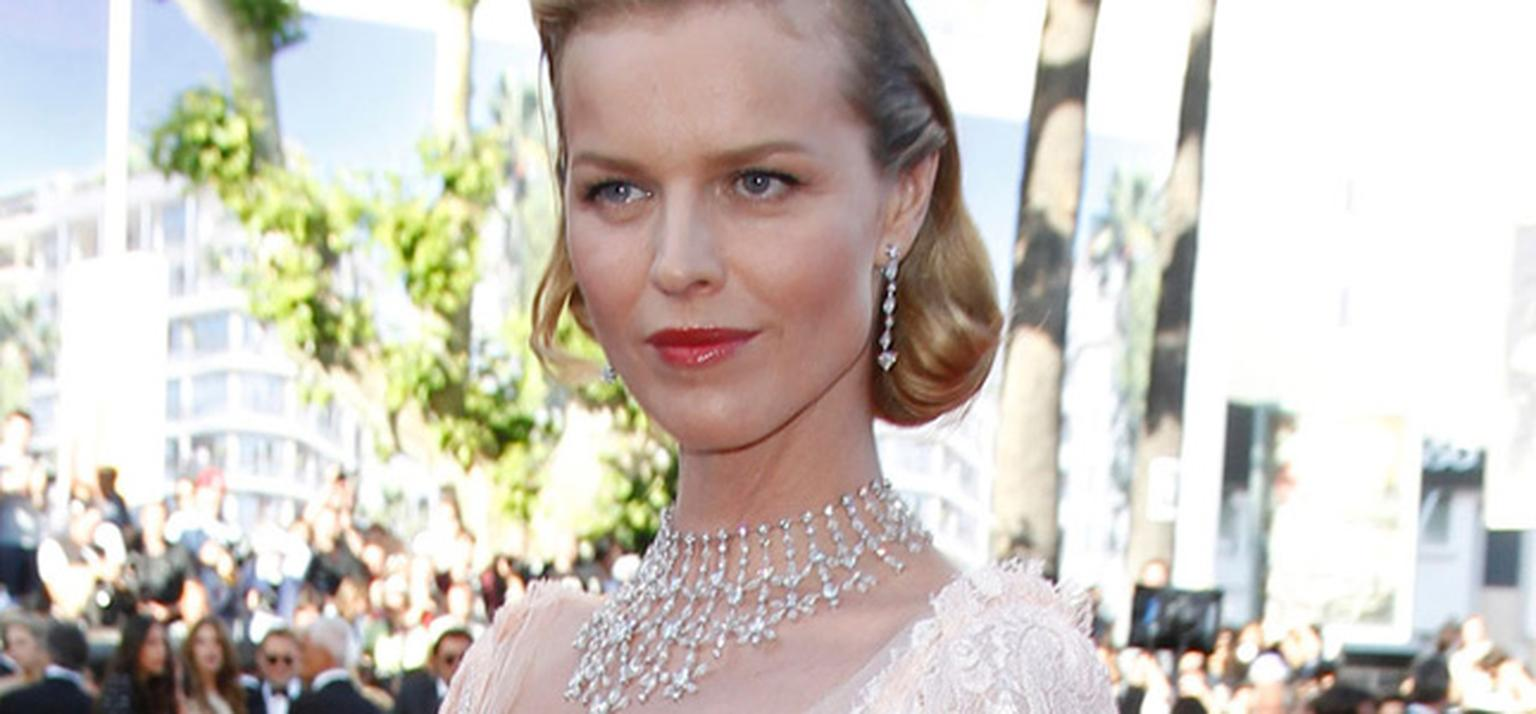 Eva_Herzigova_in_Chopard-Maryline-necklace