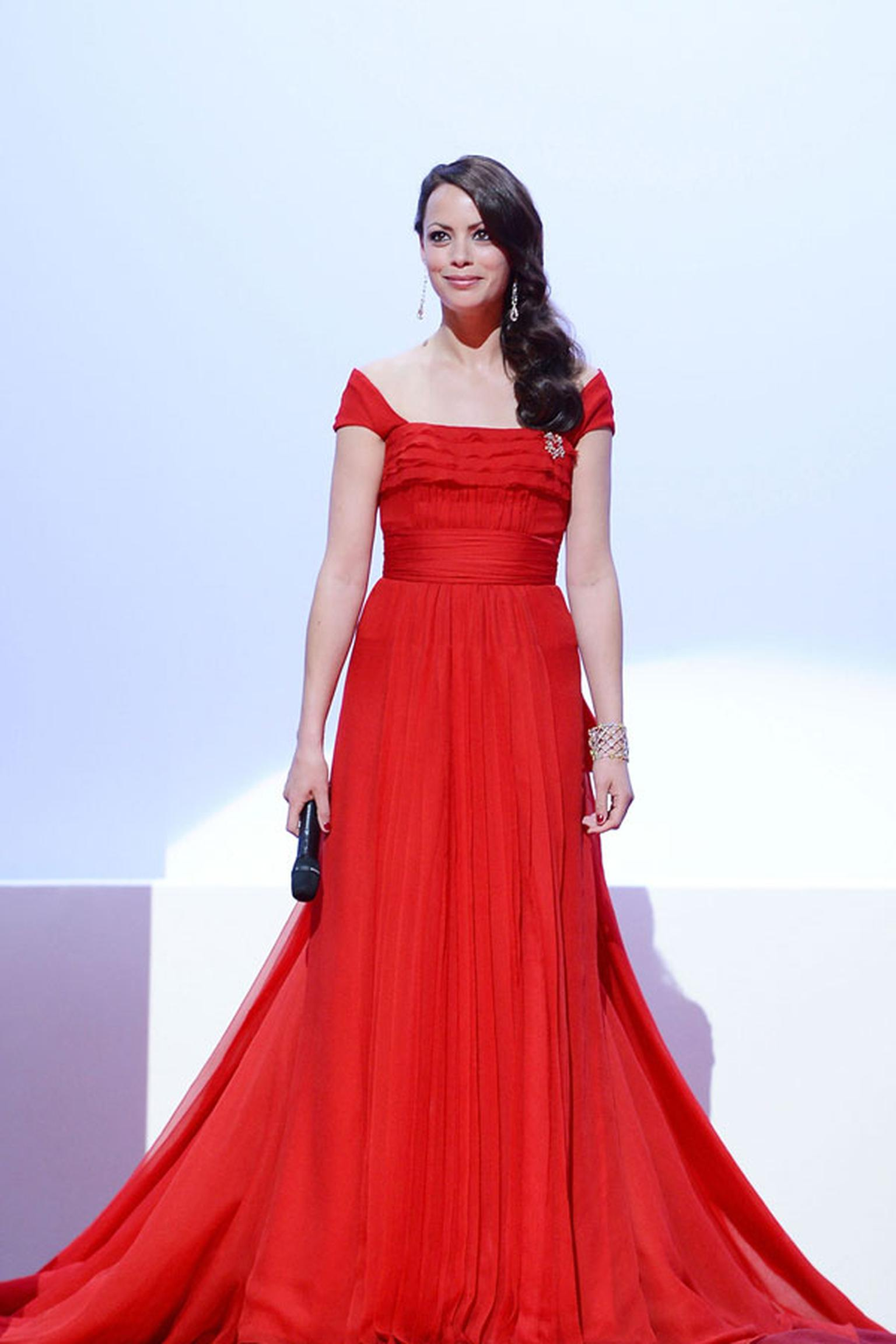 Berenice_Bejo_Louis-Vuitton_dress_and-Chopard_Jewellery