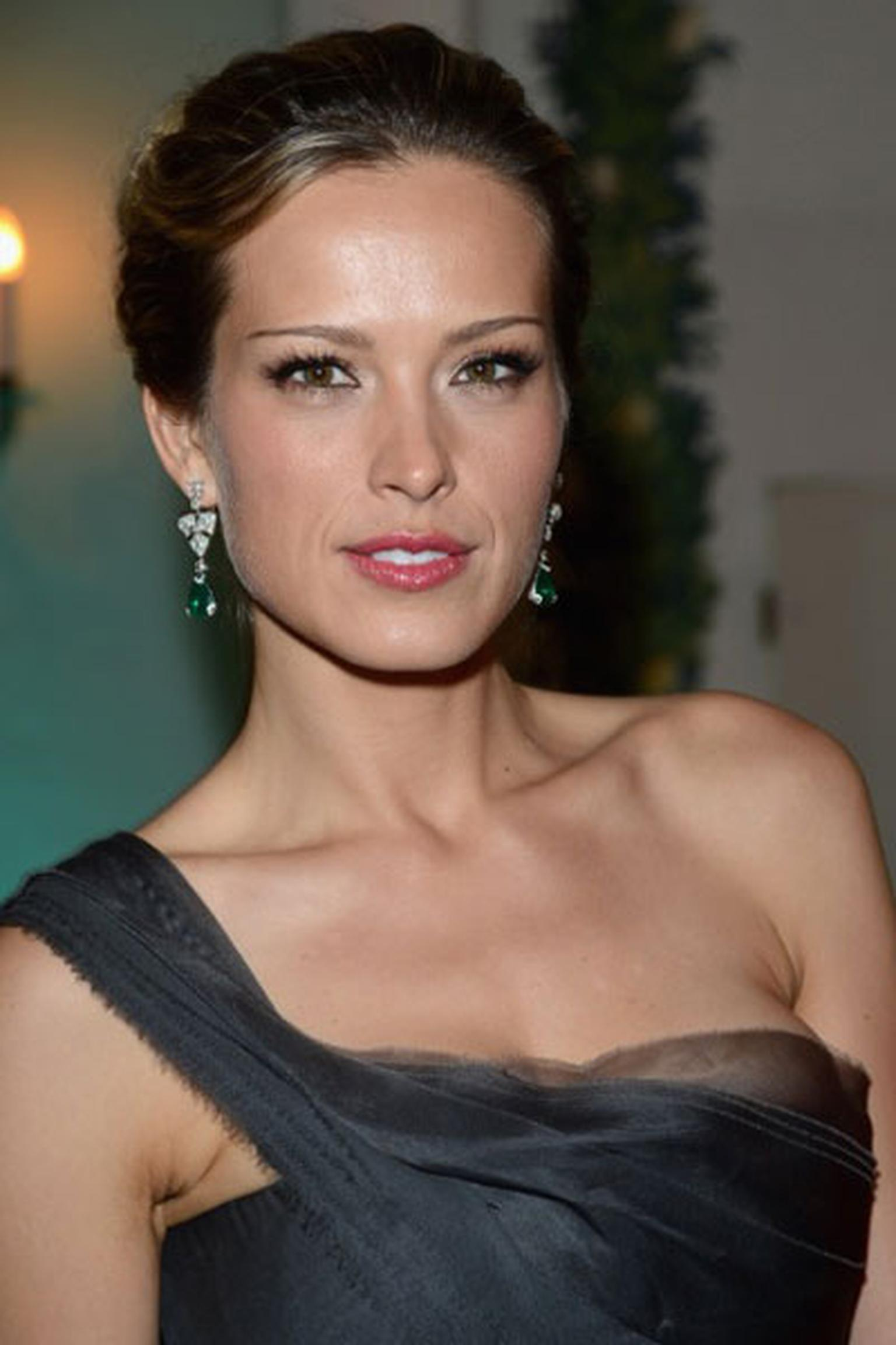 Petra-Nemcova-wearing-Avakian-diamond-and-emerald-earrings.jpg