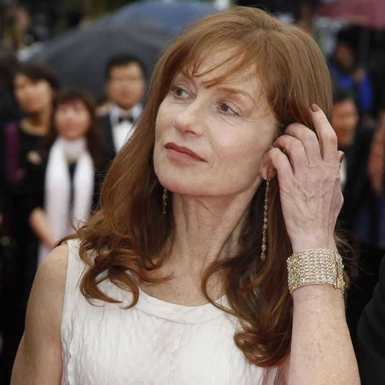 Isabelle-Huppert_in_Chopard_02_R