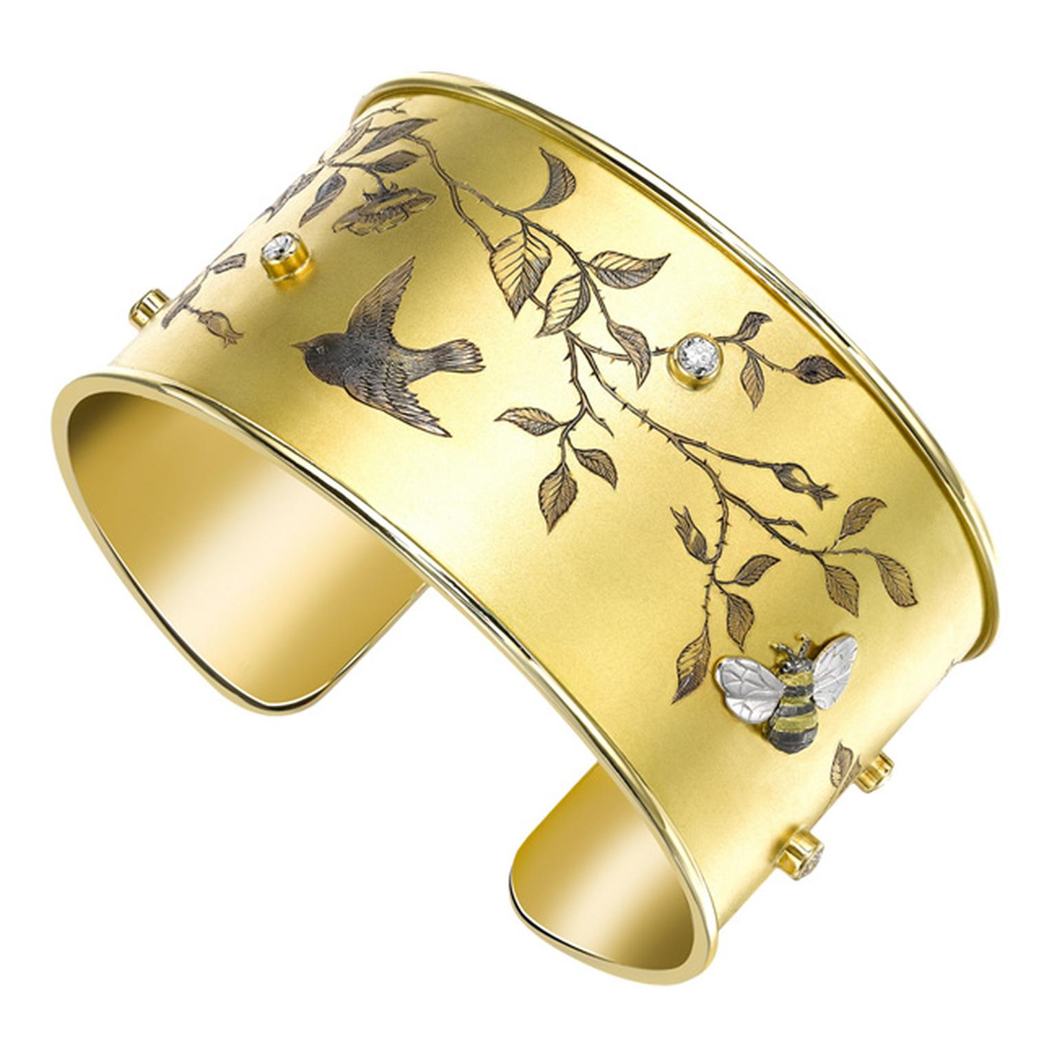 Theo Fennell yellow gold and diamond engraved cuff_20131017_Main