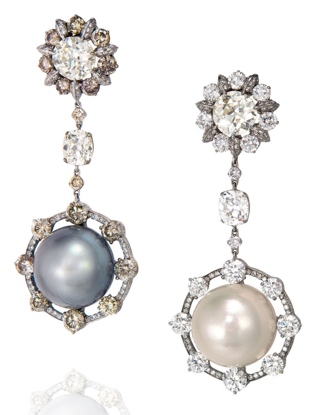 Christies_Pearl-earpendants