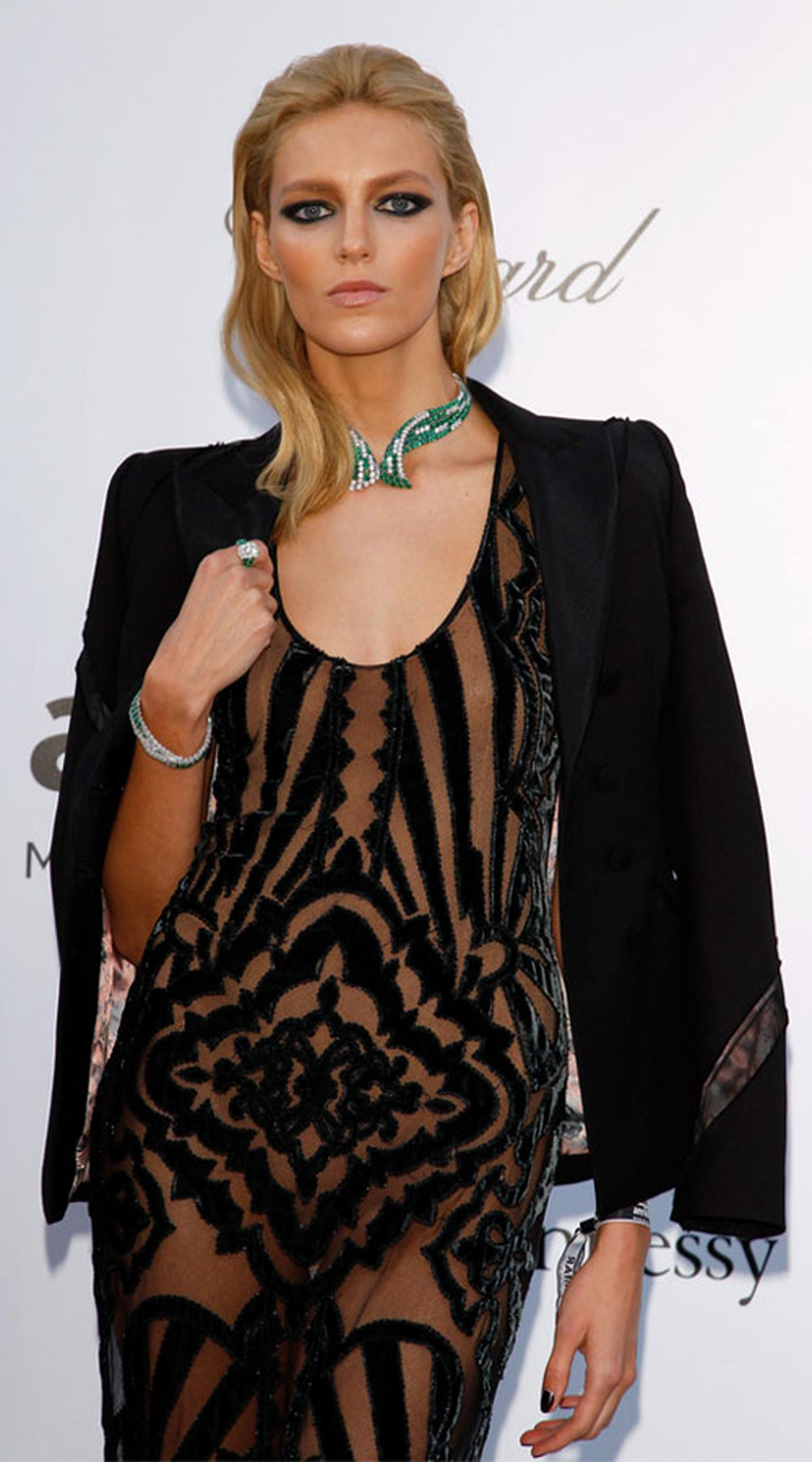 Anja-Rubik_in_Chopard_A