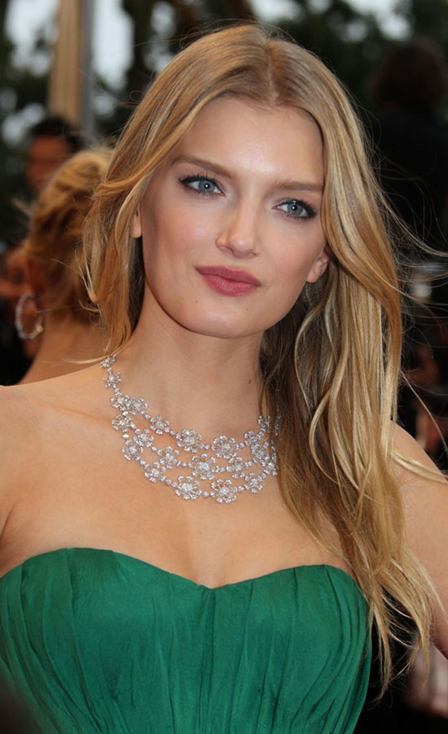 Lily-Donaldson_in_Chopard.jpg