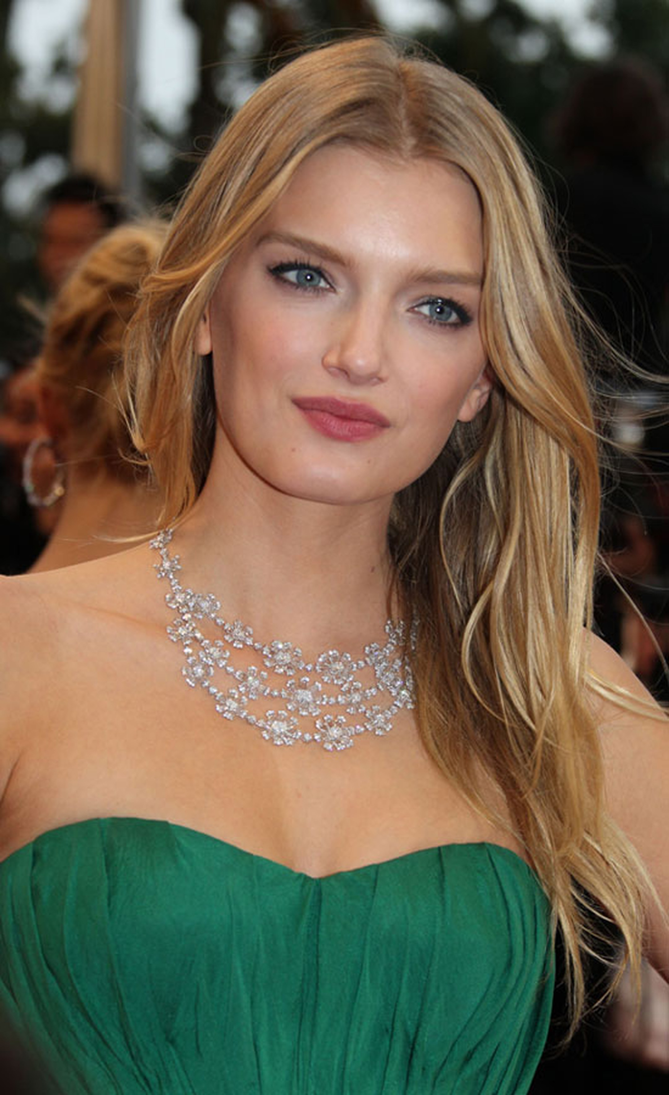Lily-Donaldson_in_Chopard