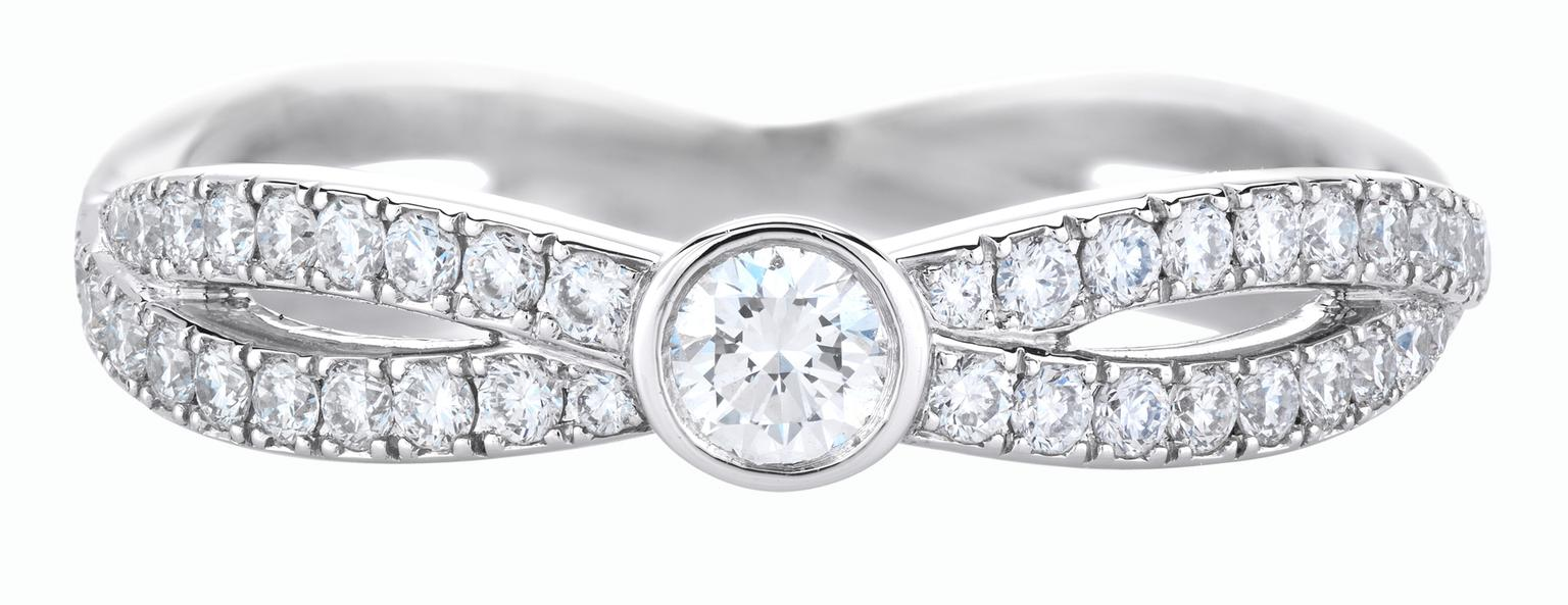 De Beers Infinity Solitaire Diamond band_20131031_Zoom