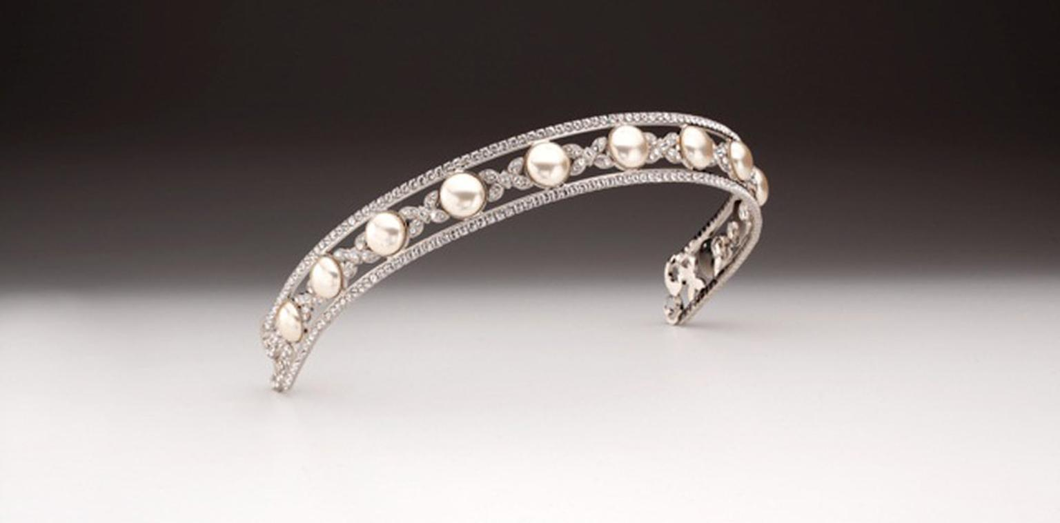 Burlington-Arcade-AP-BUTTON-PEARL-BAND-F