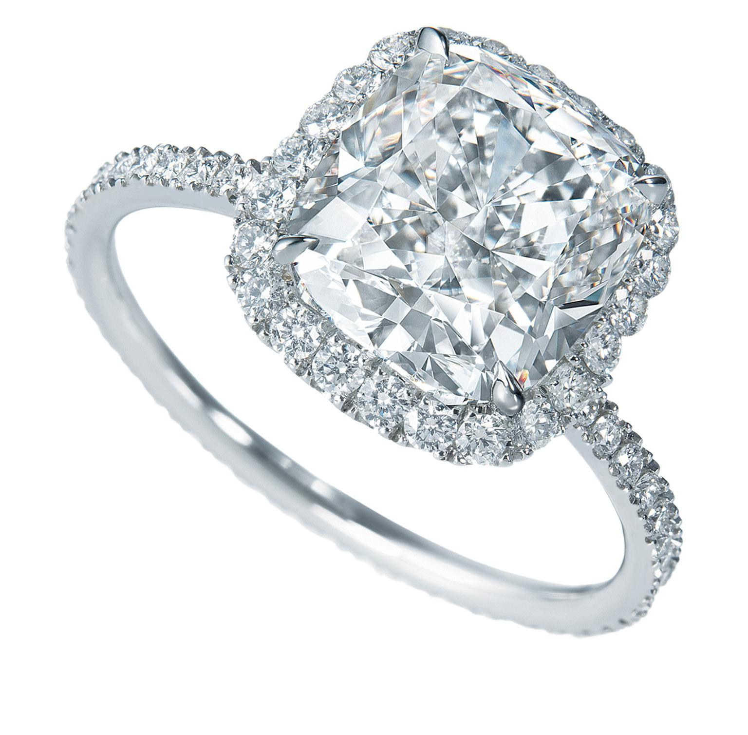Harry Winston The One engagement ring_20131126_Zoom