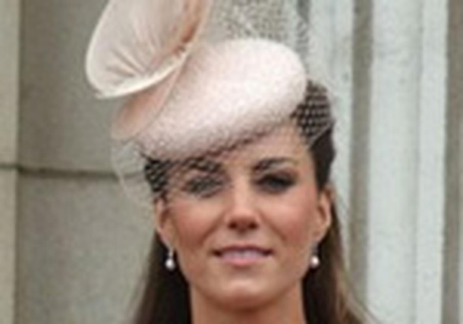 HP5-kate-middleton-alexander-mcqueen-lace-dress-diamond-jubilee