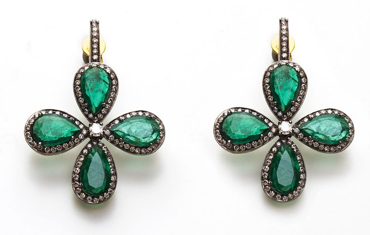 Amrapali-Emerald-and-Diamond-four-leaf-earrings