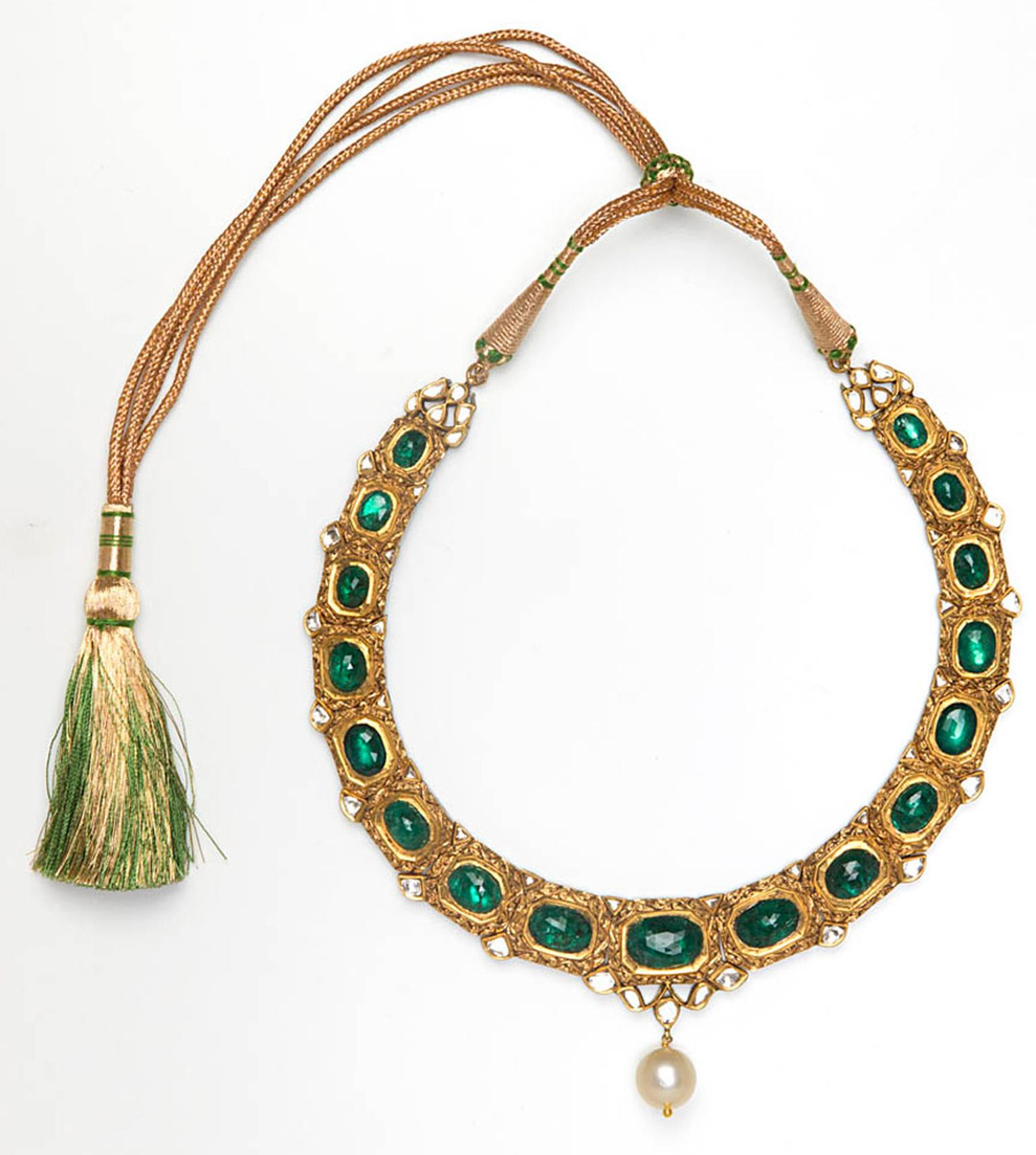 Amrapali-Yellow-gold-and-Emerald-tassel-necklace