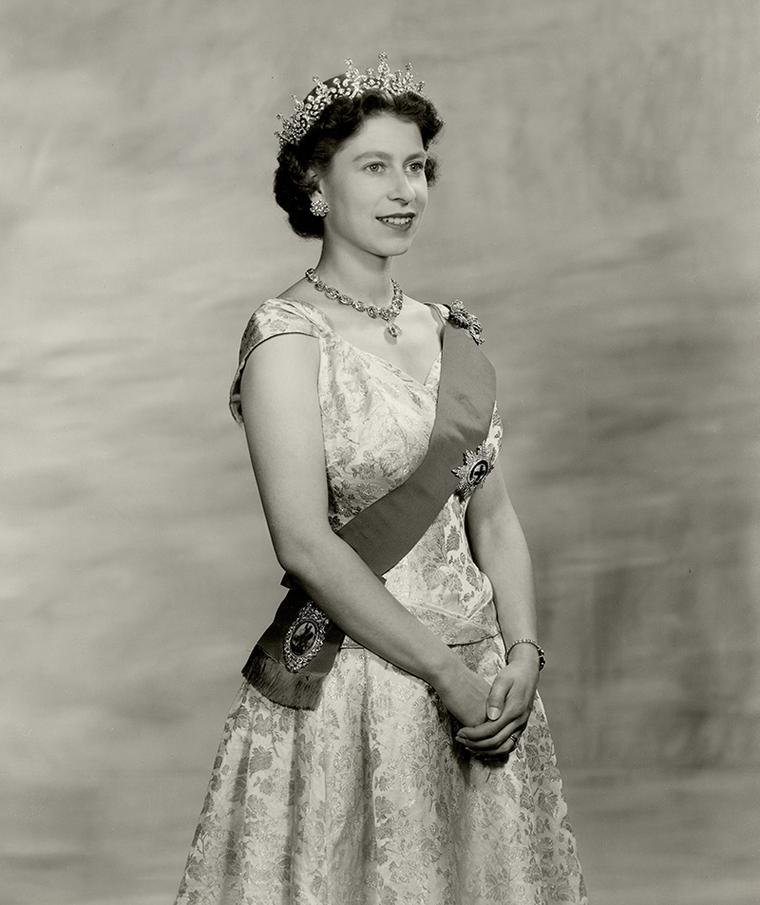 Queen-Elizabeth-II-wearing-Queen-Mary-Girls-of-Great-Britain-and-Ireland-tiara