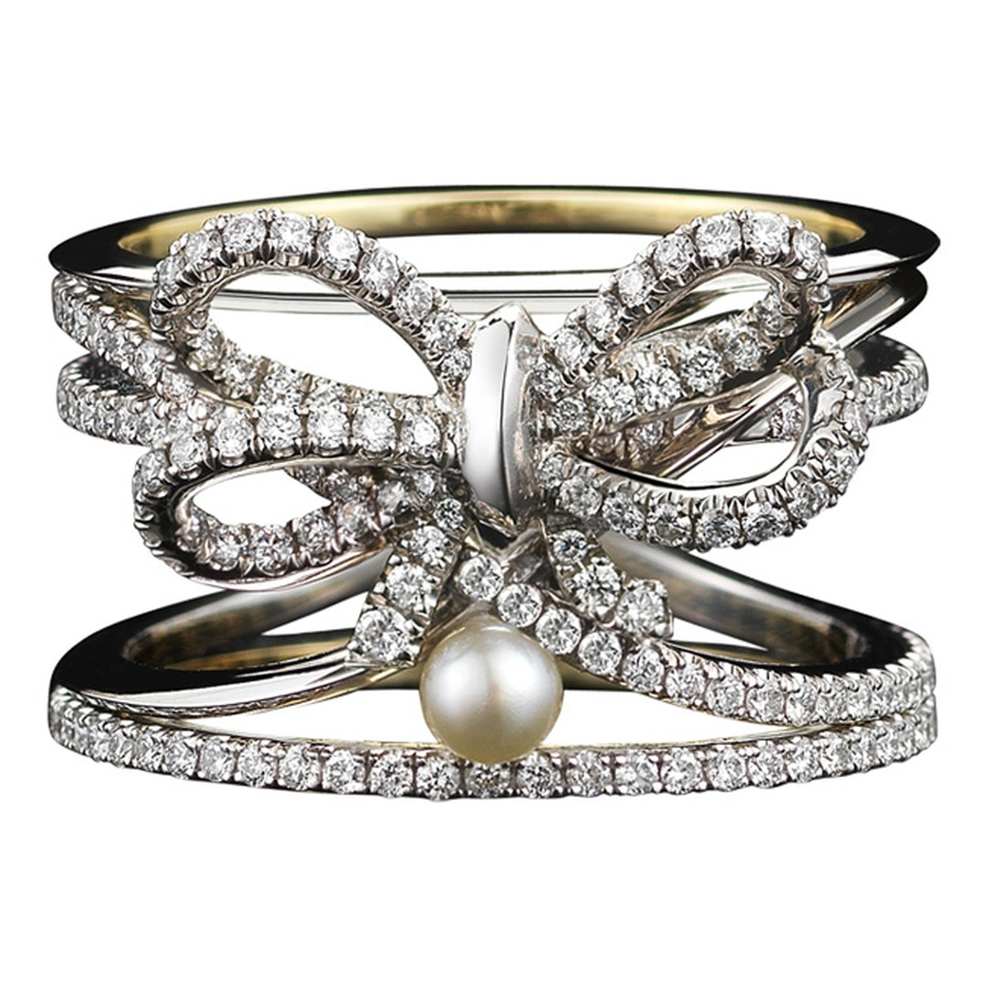 Alexandra_Mor_limited_edition_diamond_bow_and_pearl_Ring_20140117_Main