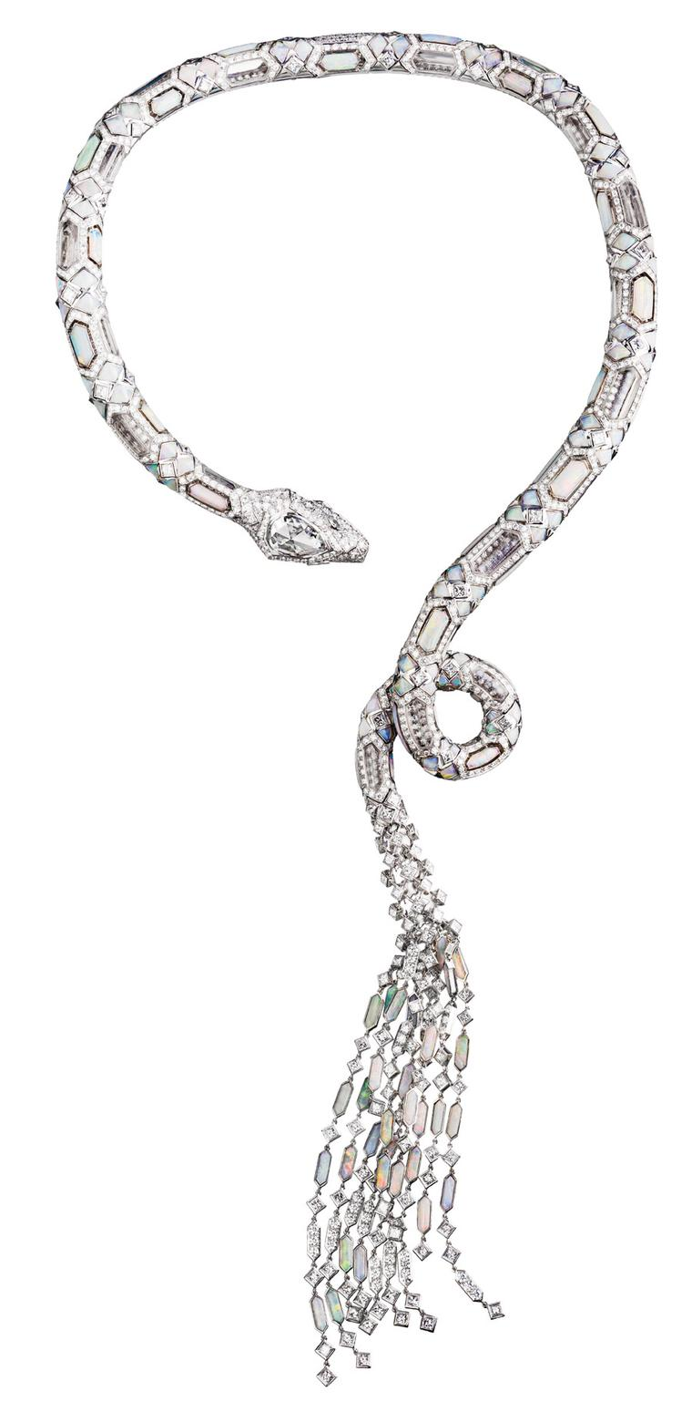 boucheron-serpent-opalescent-necklace
