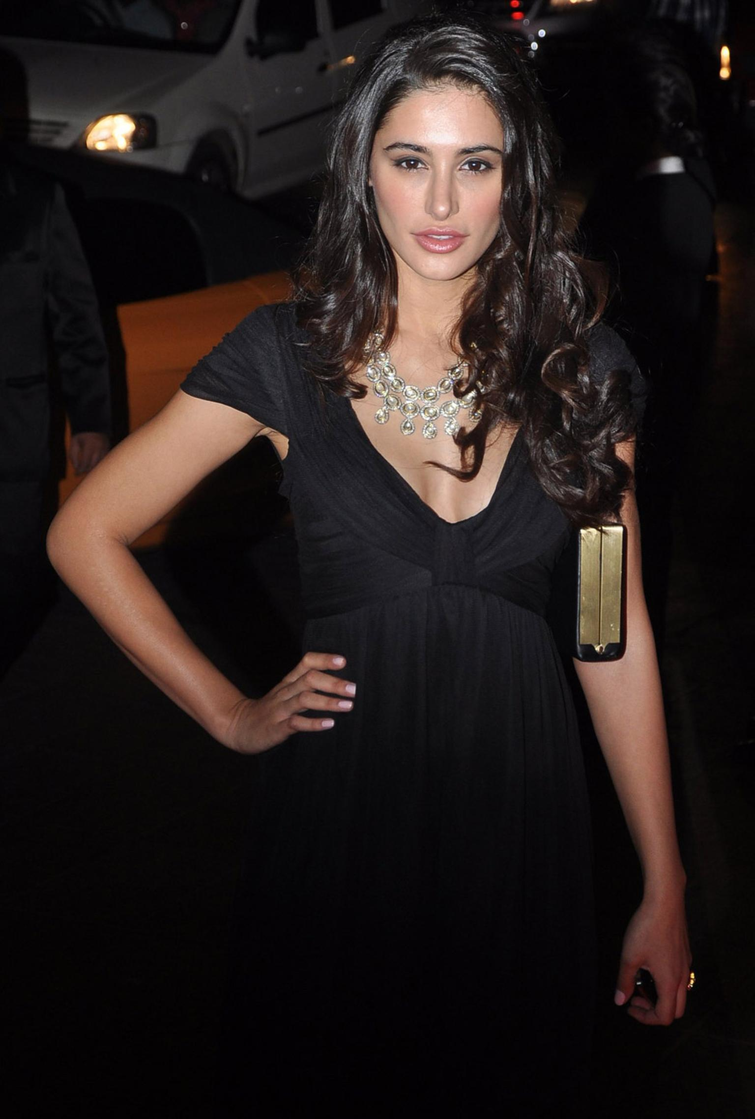 Amrapali-Bollywood-actress-Nargis-Fakhri-in-Amrapali-Jewels