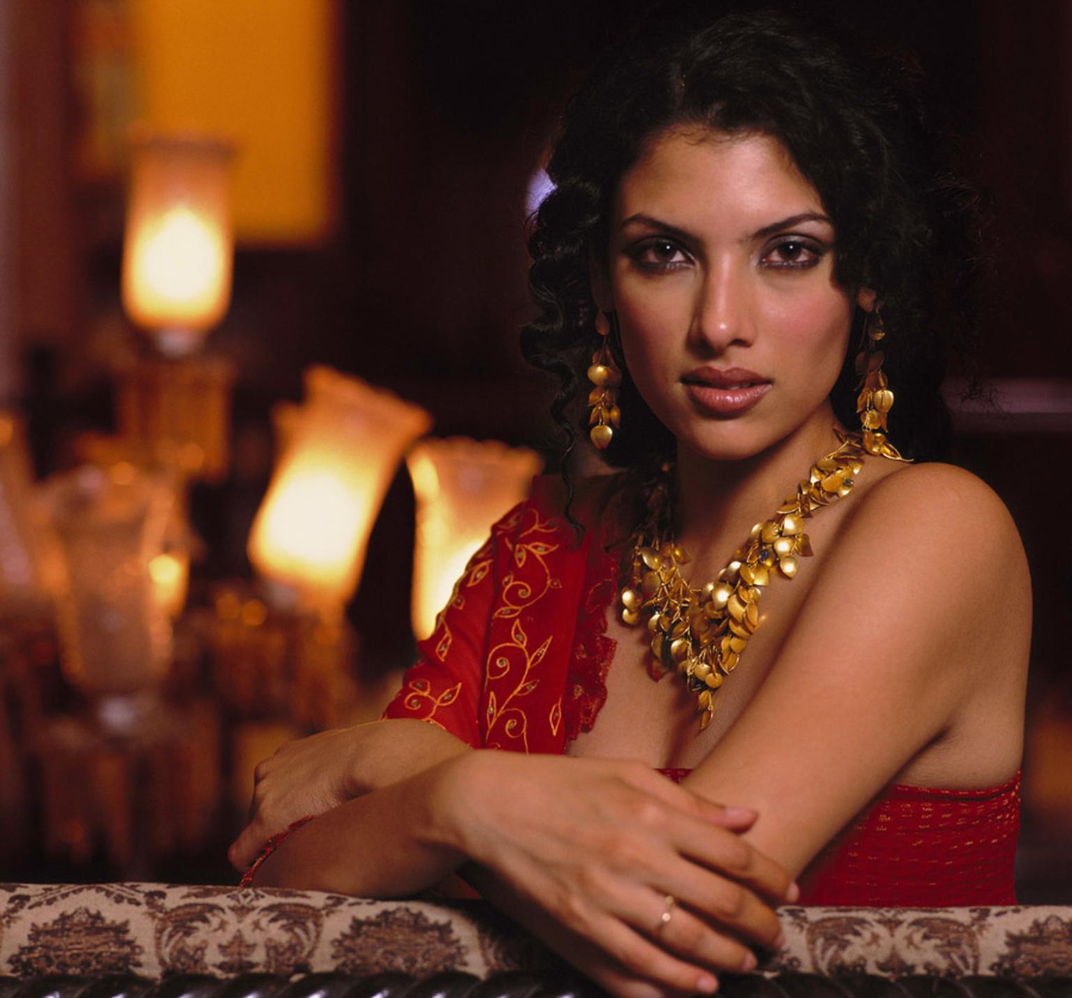 Amrapali-Model-with-Amrapali-jewels-2