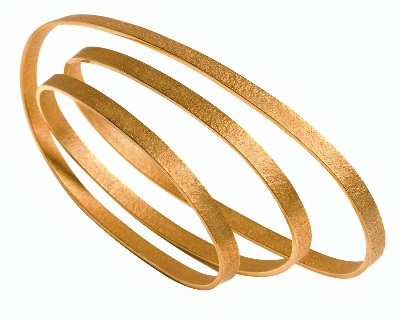 Ute Decker PURE minimalist bracelet in Fairtrade gold_20140131_Zoom