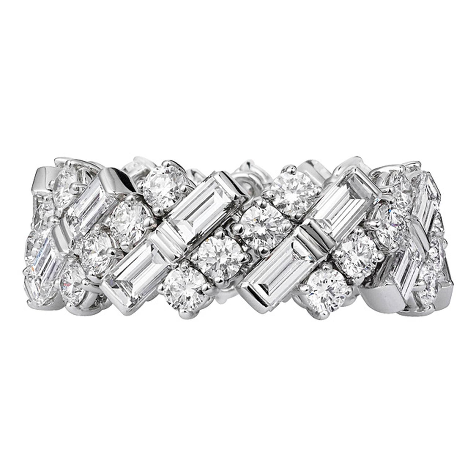 Cartier wedding ring in white gold and diamonds_20140205_Main