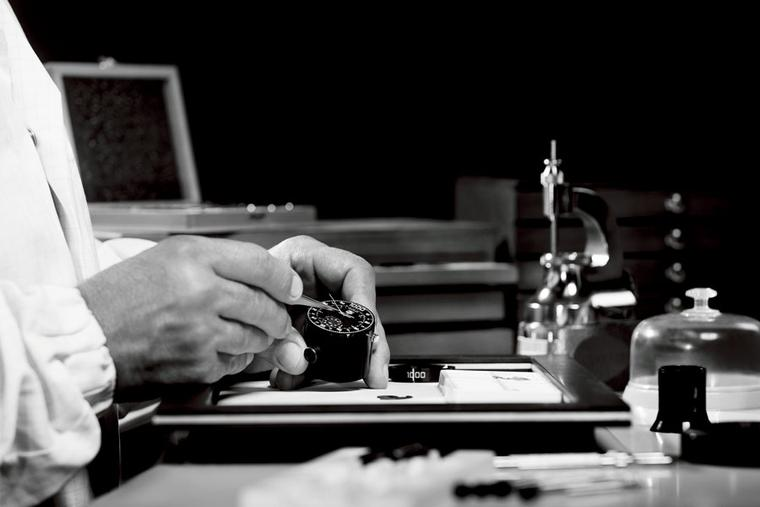 TAG-heuer-Mikrotimer-Manufacturing