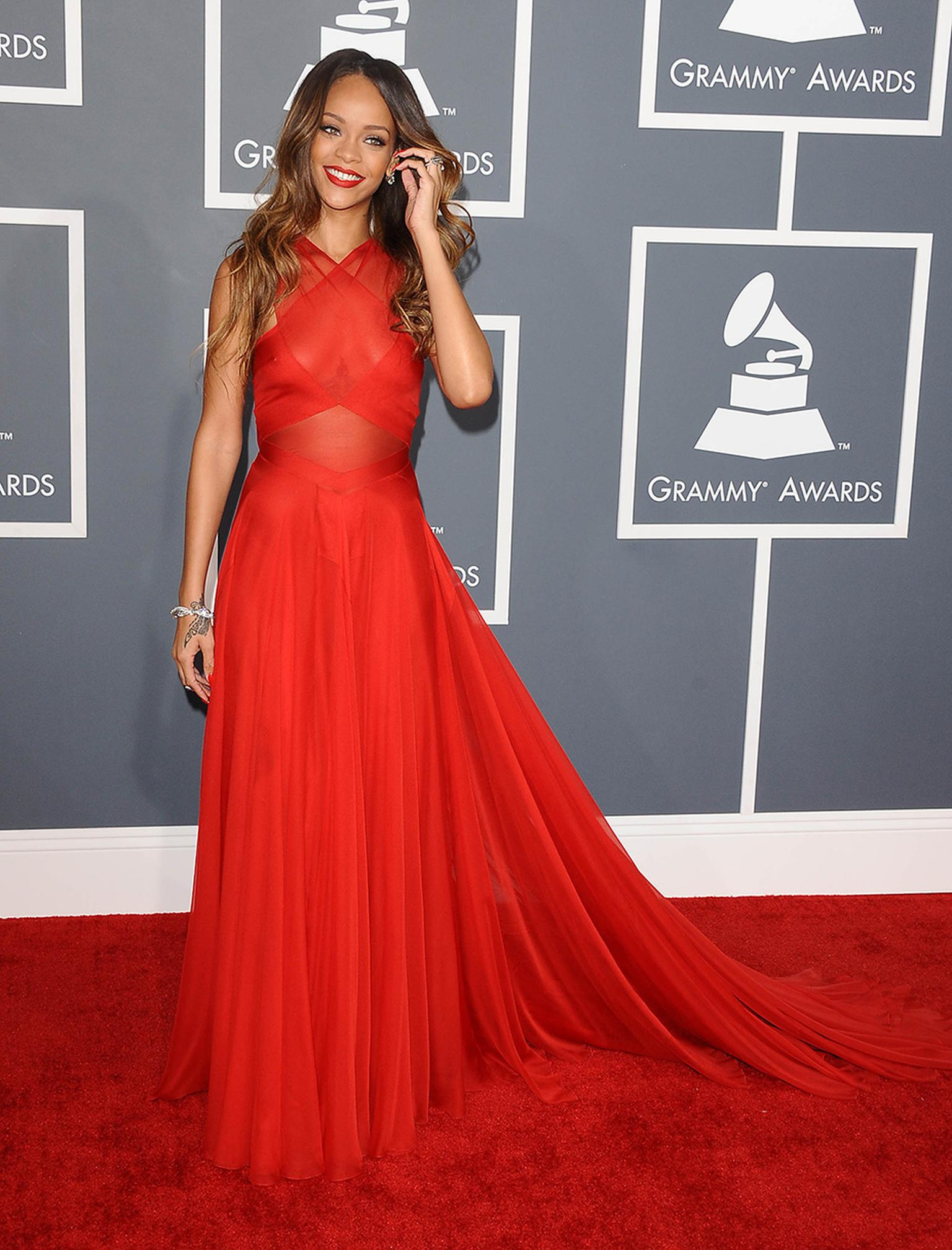 Rihanna topped the best-dressed polls at the Grammys 2013 in more than US$2 million of Neil Lane jewels