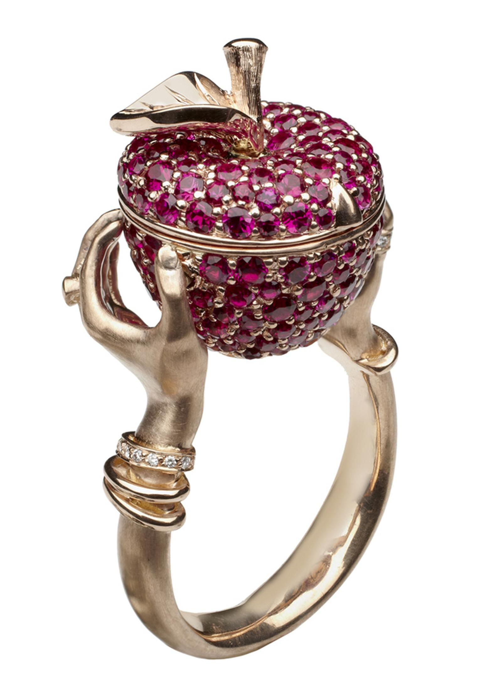 Stephen Webster. Murder She Wrote Poison Apple Ring