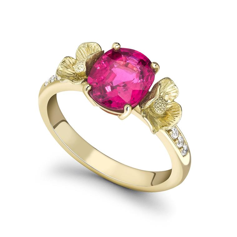 Theo Fennell Poppy Tryst ring in yellow gold, set with a 1.94ct pink spinel and diamonds