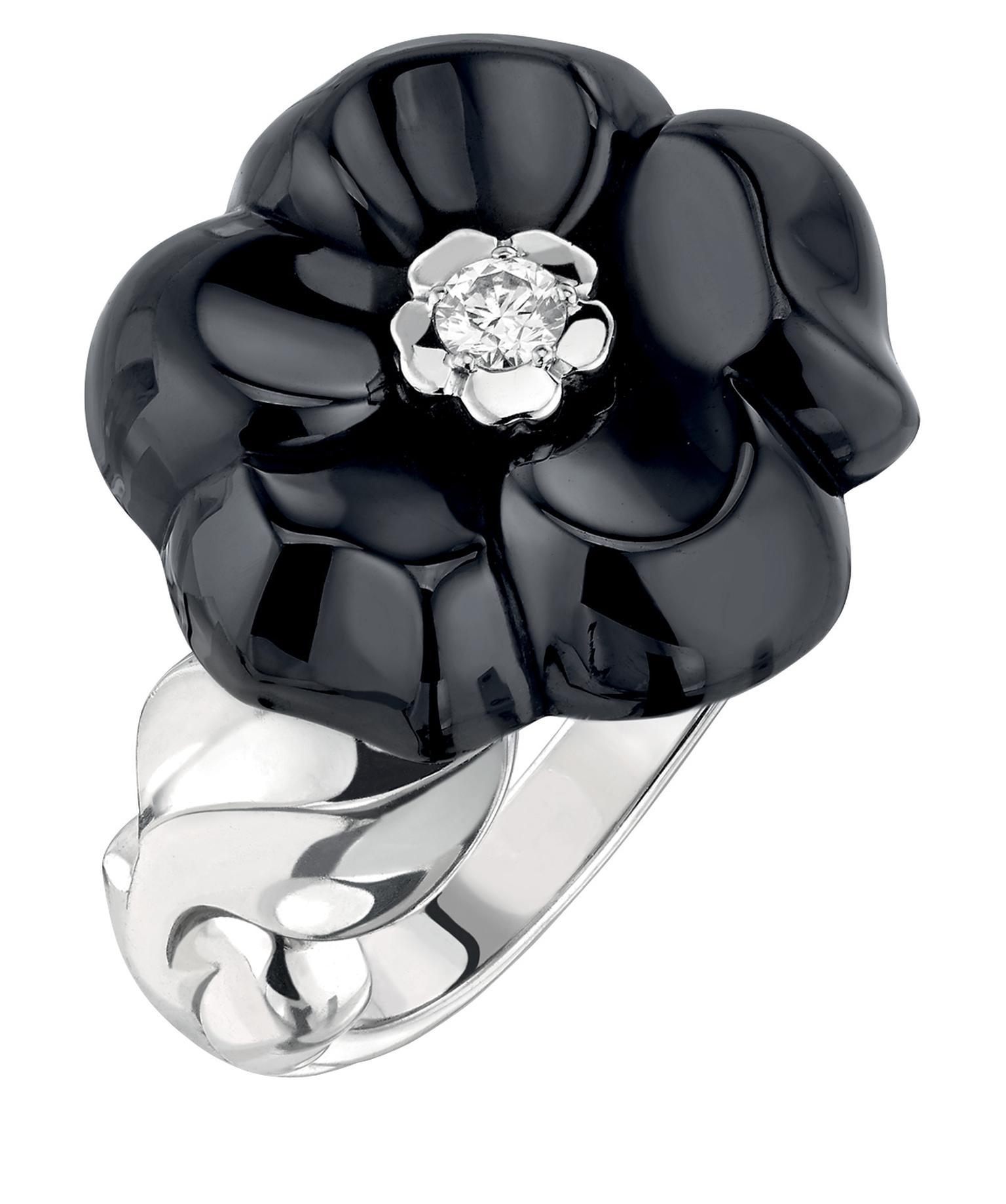 Chanel Camélia Galbé small black ceramic ring_20140226_Zoom
