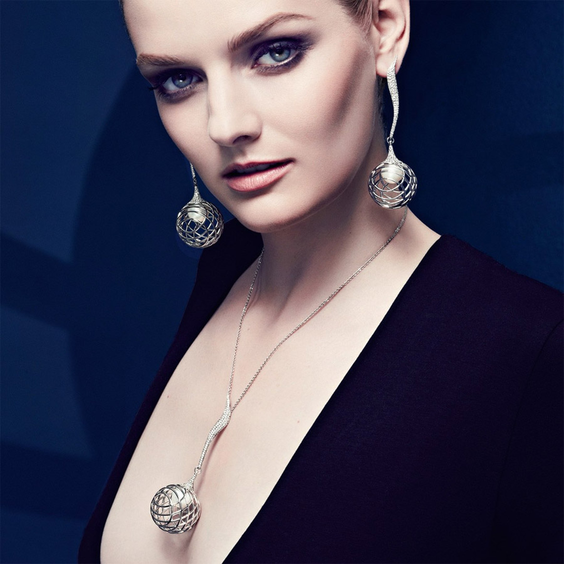 The-Palladium-Fine-Jewellery-Lara-Bohinc-Model-1