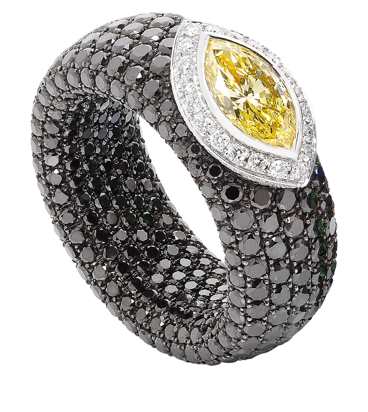Avakian Cache black and yellow sapphire ring_20140305_Zoom