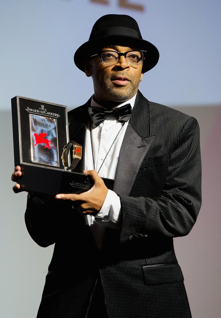 JLC-Director-Spike-Lee-speaks-on-stage-as-he-receives-the-Jaeger-Le-Coultre-Glory-To-The-Filmmaker-Award-during-the-69th-Venice-Film-Festival