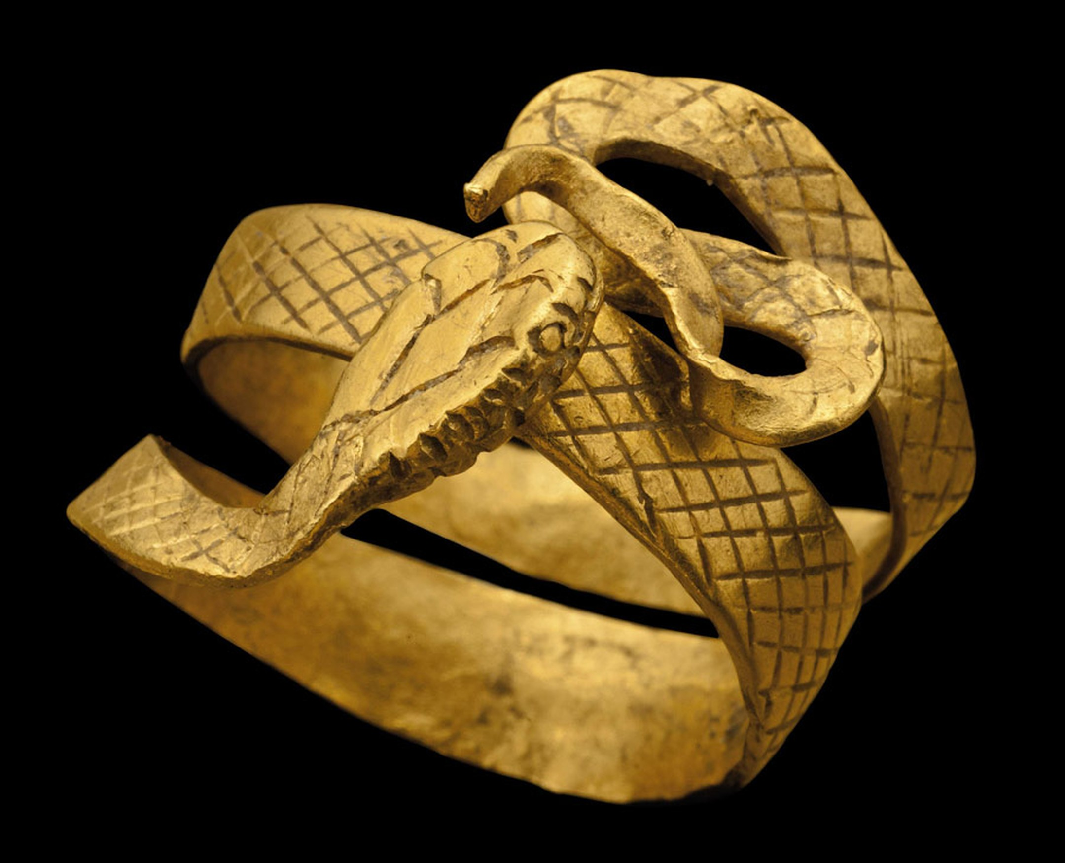 A-ROMAN-GOLD-SNAKE-RING