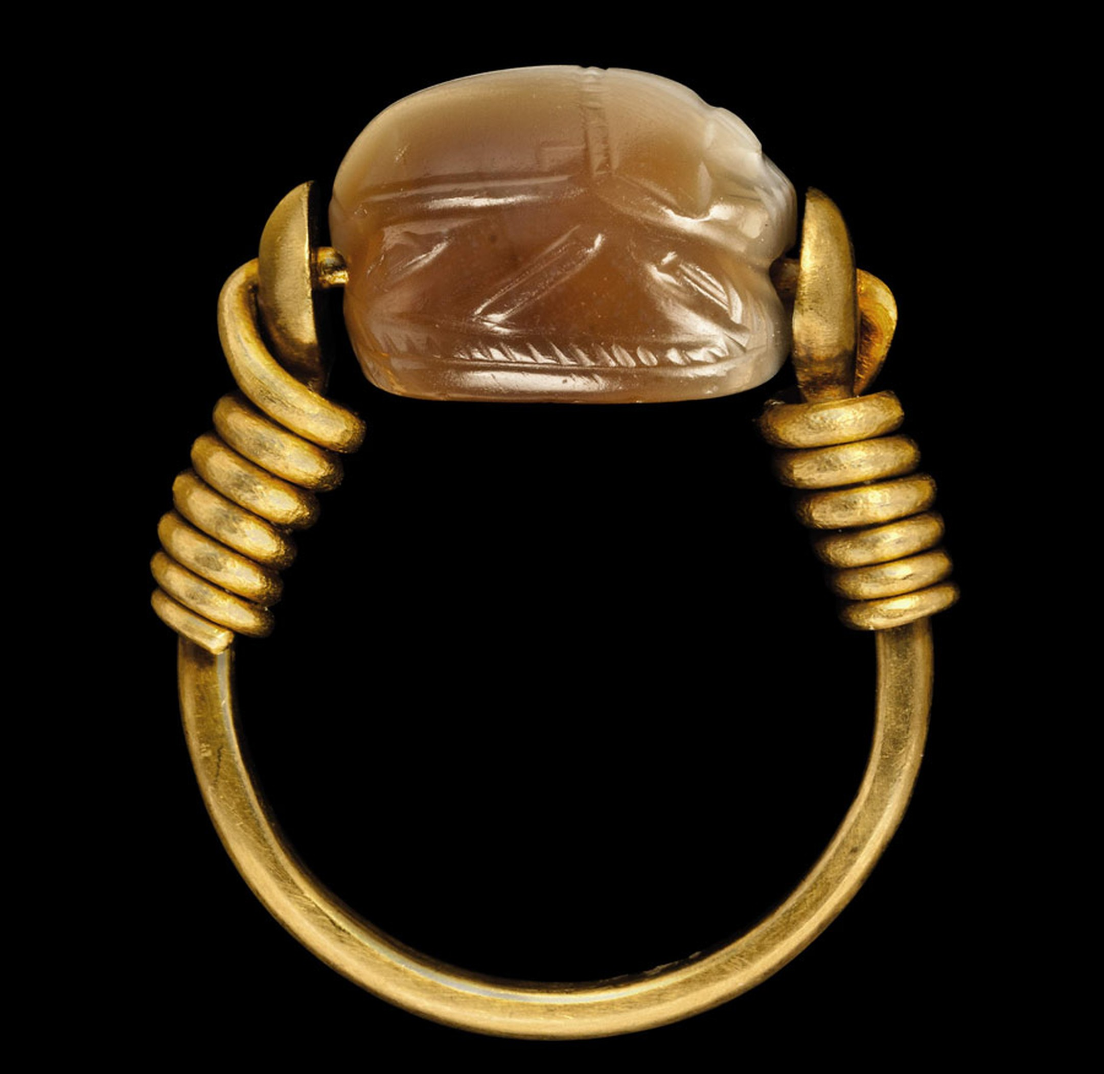 AN-ETRUSCAN-AGATE-SCARAB-side
