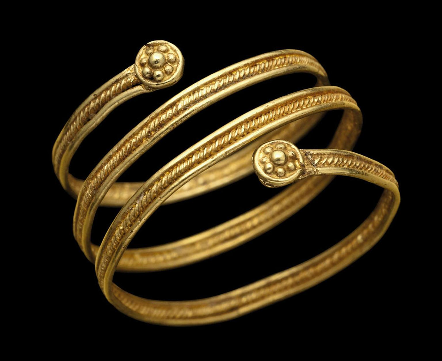 AN-ETRUSCAN-GOLD-SPIRAL-RING