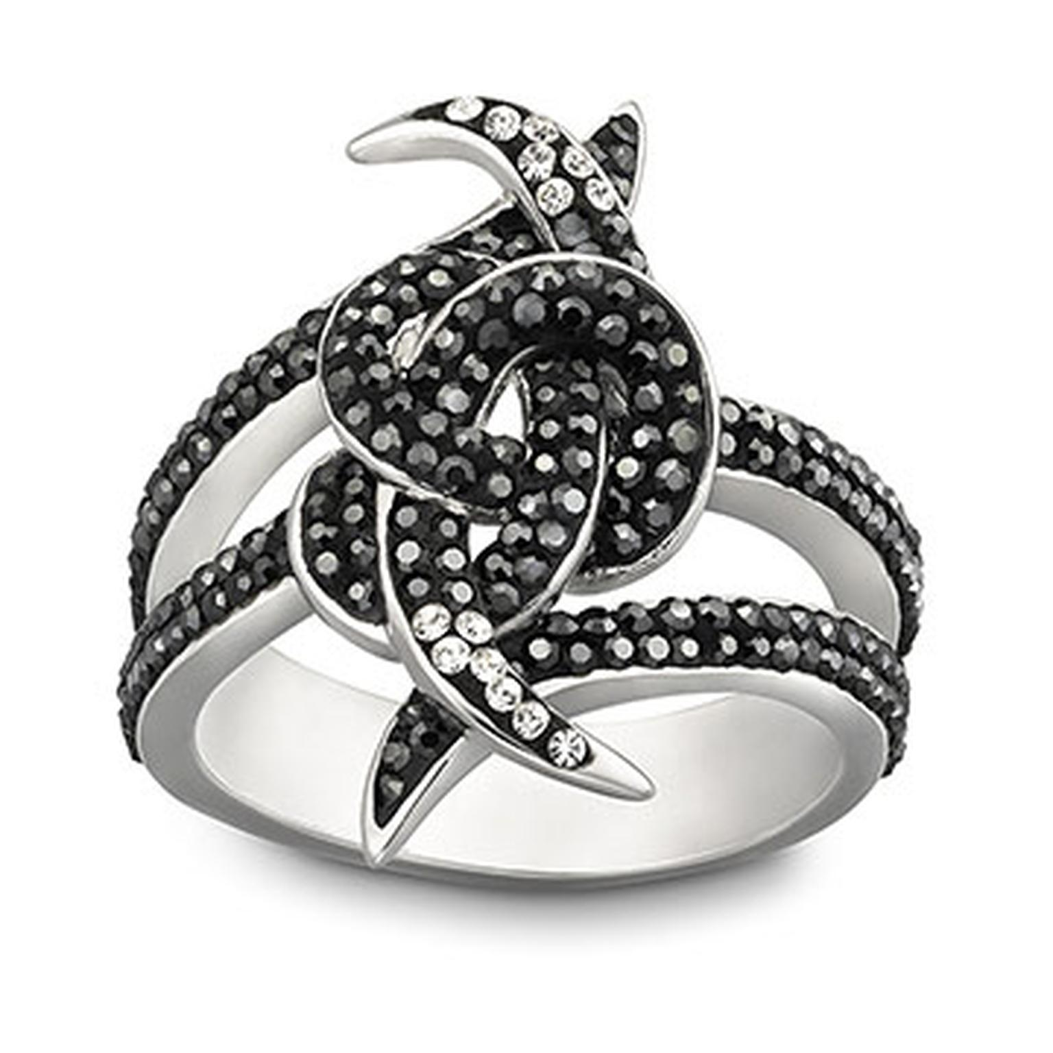 Stephen-Webster-Love-Knot-ring.jpg