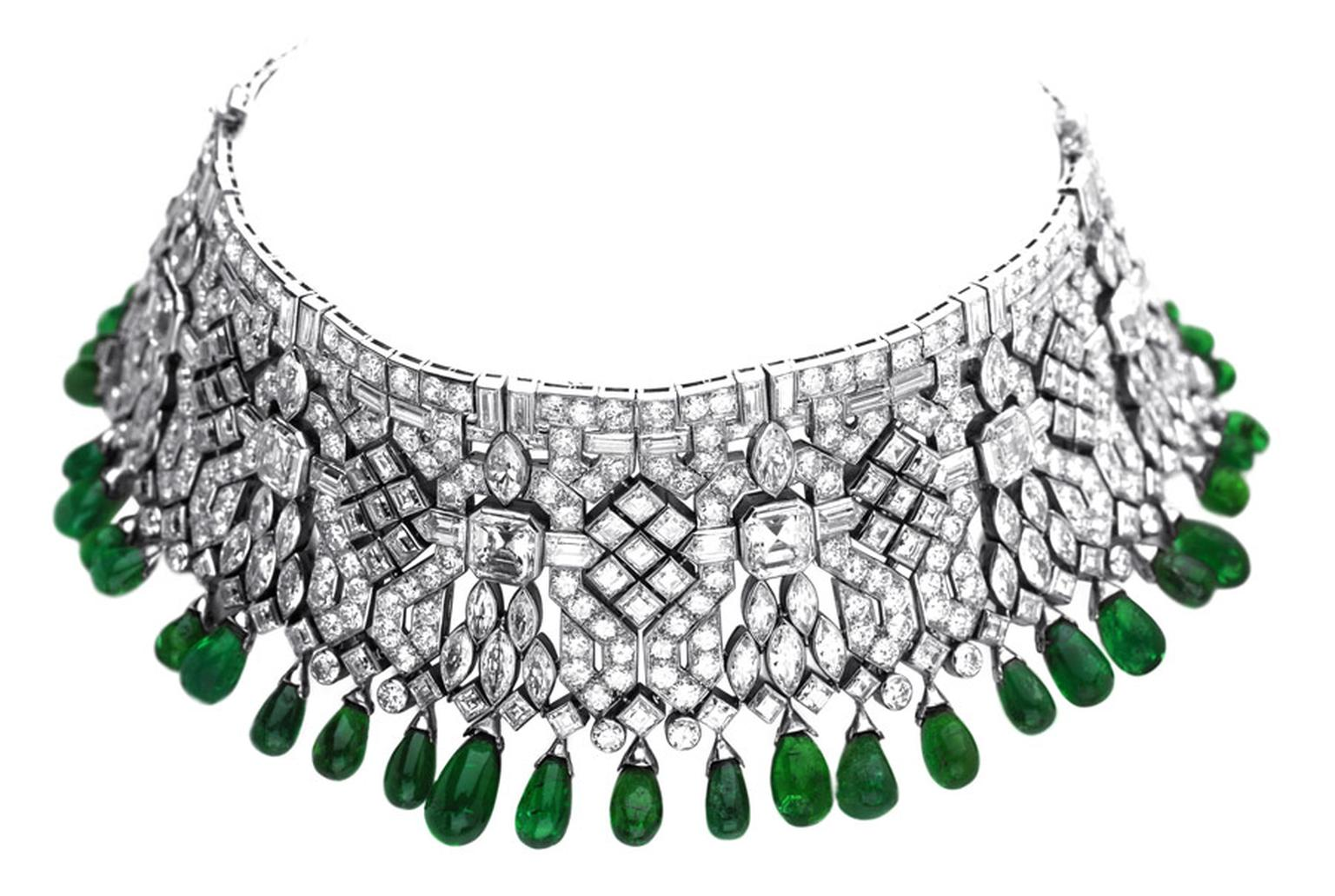 Van-Cleef-Arpels-Indian-bracelets-transformable-into-a-choker-ordered-by-Daisy-Fellowes-1928-Private-Collection_3