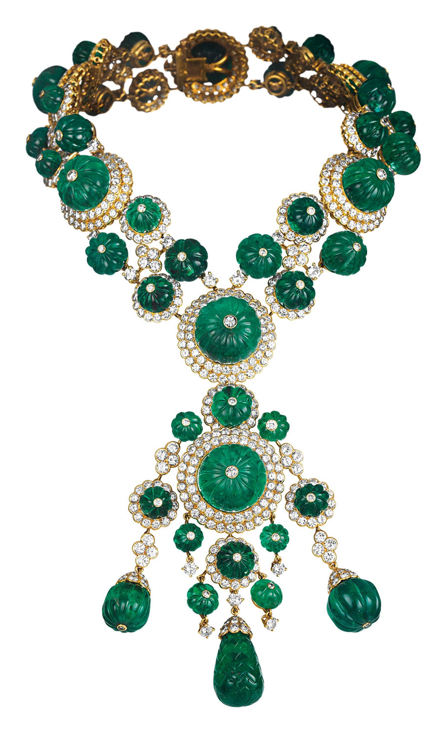 Van-Cleef-Arpels-Indian-necklace-transformable-into-two-bracelets-and-a-pendant-1971-Van-Cleef-Arpels-Collection_1