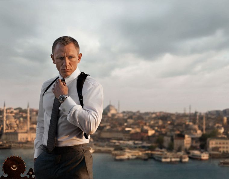 OMEGA-Daniel-Craig-with-Planet-Ocean-42mm_SKYFALL