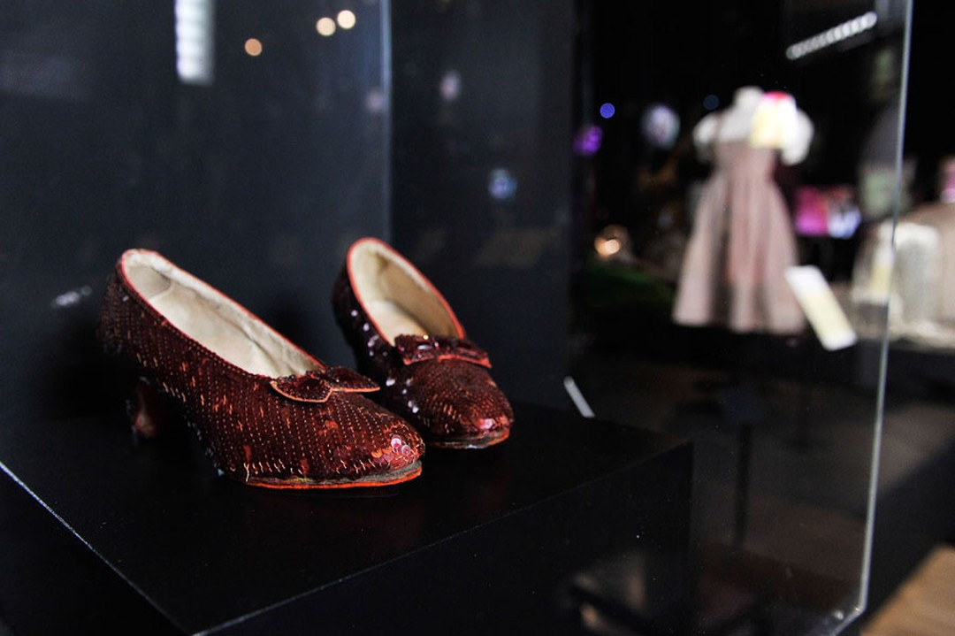Harry-Winston-Hollywood-Costume-red-shoes
