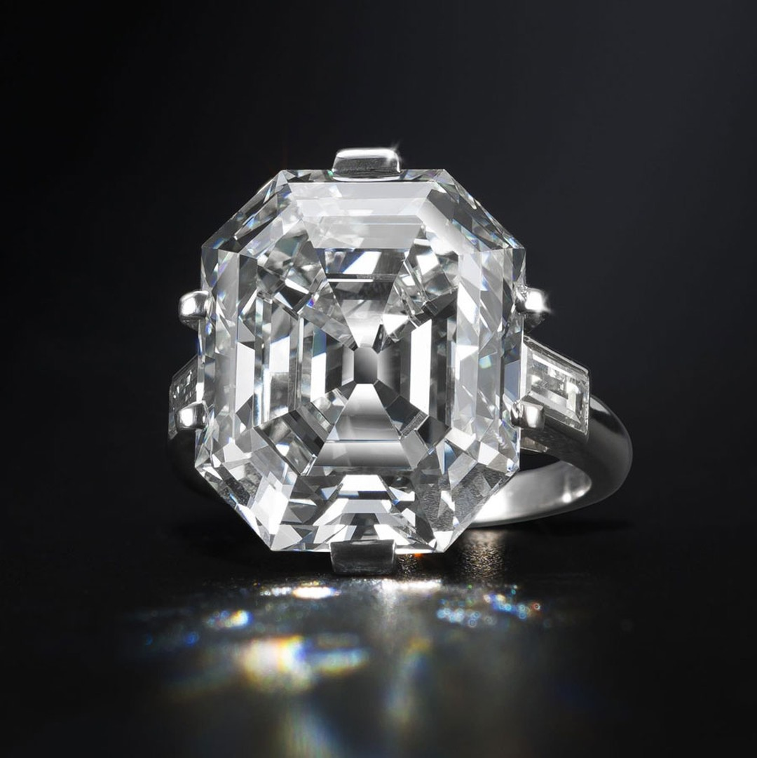 Bonhams-An-elegant-diamond-single-stone-ring.jpg