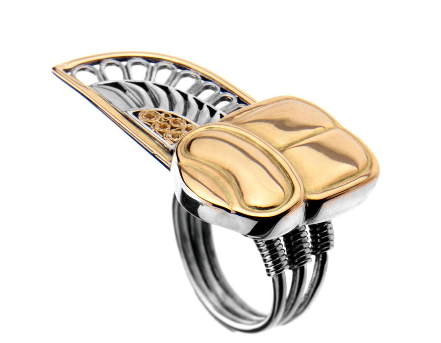 Azza-Fahmy-Winged-Scarab-Ring13-003.jpg