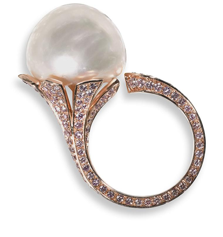 David-Morris-20.80ct-natural-light-cream-button-pearl-mounted-in-18ct-rose-gold-and-set-with-1.74cts-of-pink-micro-set-diamonds.-Retail-price-175000