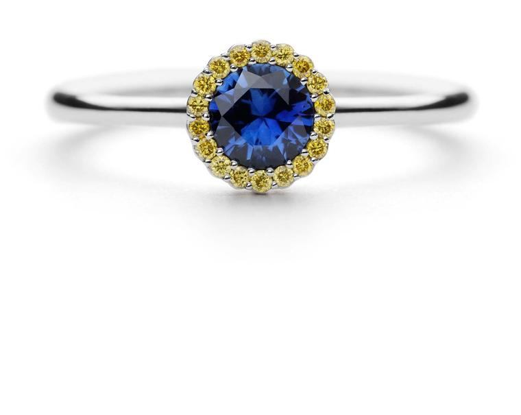 AG-Blue-Sapphire-Ring-zoom
