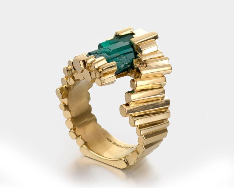 Goldsmiths-Iannuzzi-Ornella--Lexceptionelle-Emeraude-emerald-crsytal-set-in-18k-gold